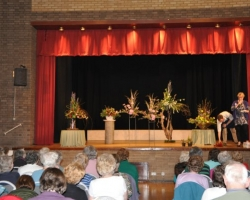 Kempston flower club April 2011 014sm